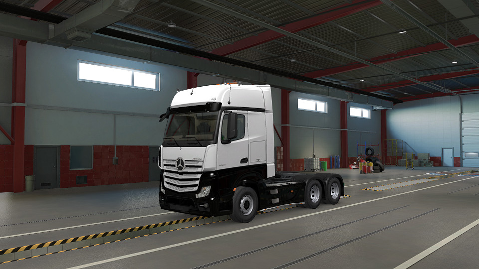 Two Tone Paint for Mercedes Benz Actros 2014