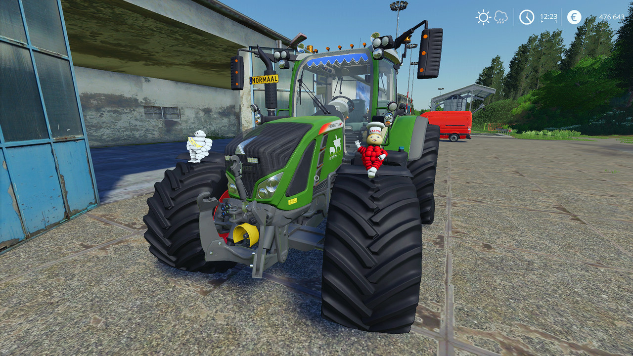 Fendt 700 Vario SCR with Smoke